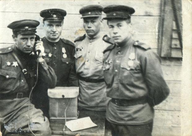 Назаров Дмитрий Сергеевич с двумя орденами Красной Звезды